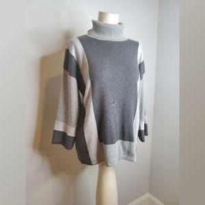 Chico's Gray Geometric Print Sweater Tunic